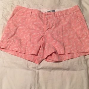 shorts light pink with white trees
